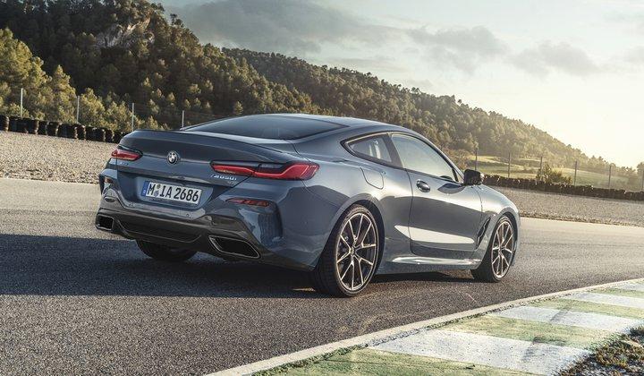 Официальная презентация серийного купе серии 8 BMW
