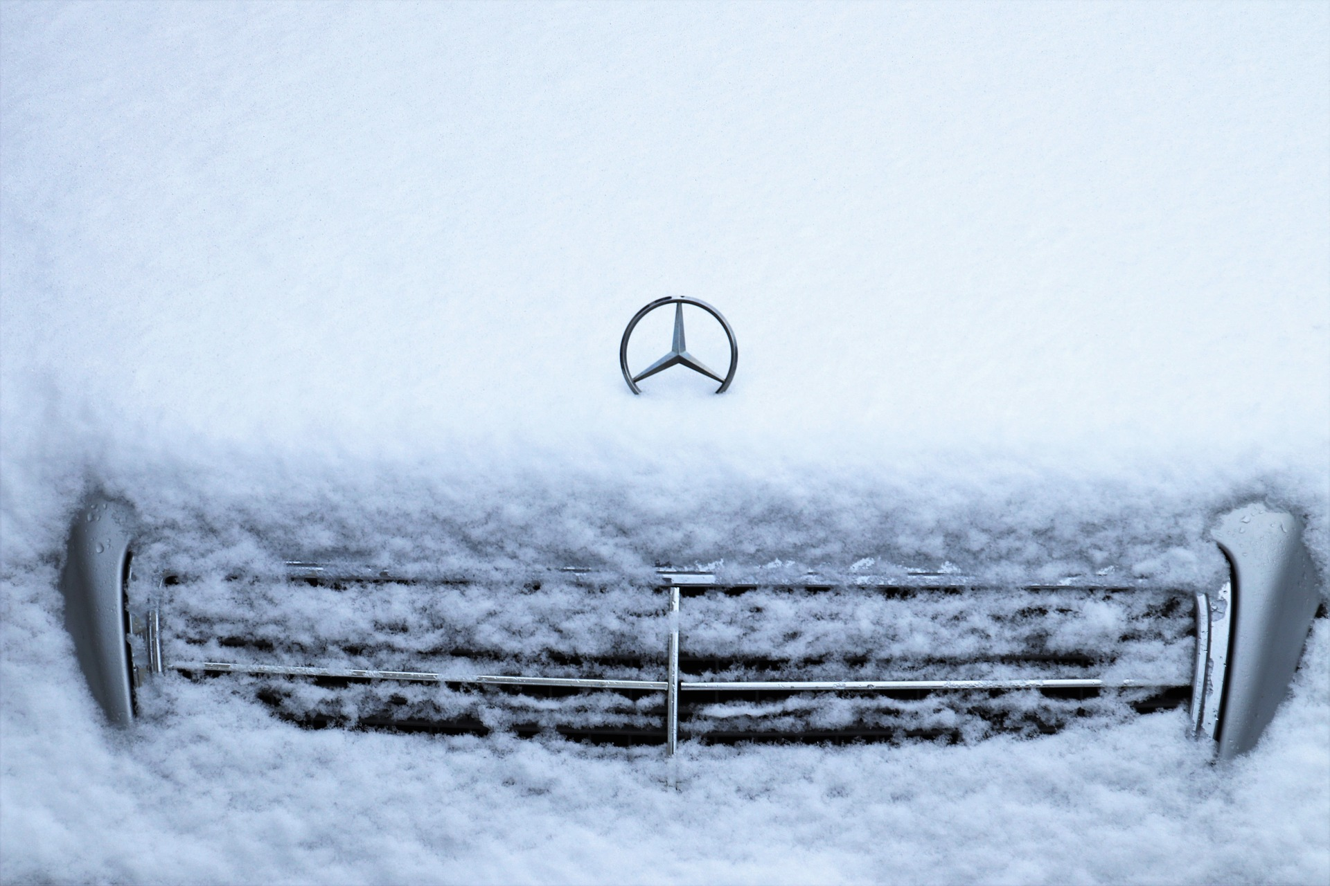 3 ошибки, которые допускают водители, когда прогревают авто зимой
